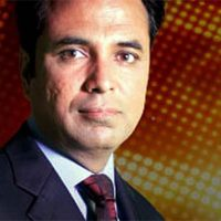 RIUJ condemns social media campaign against journalist Talat Hussain