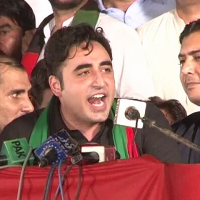 Bilawal assures protesting journalists of his party's support