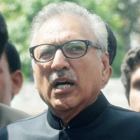 Media crisis to subside with boost in economy: President Alvi