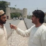 A journalist in Landi Kotal being threatened for Vlog